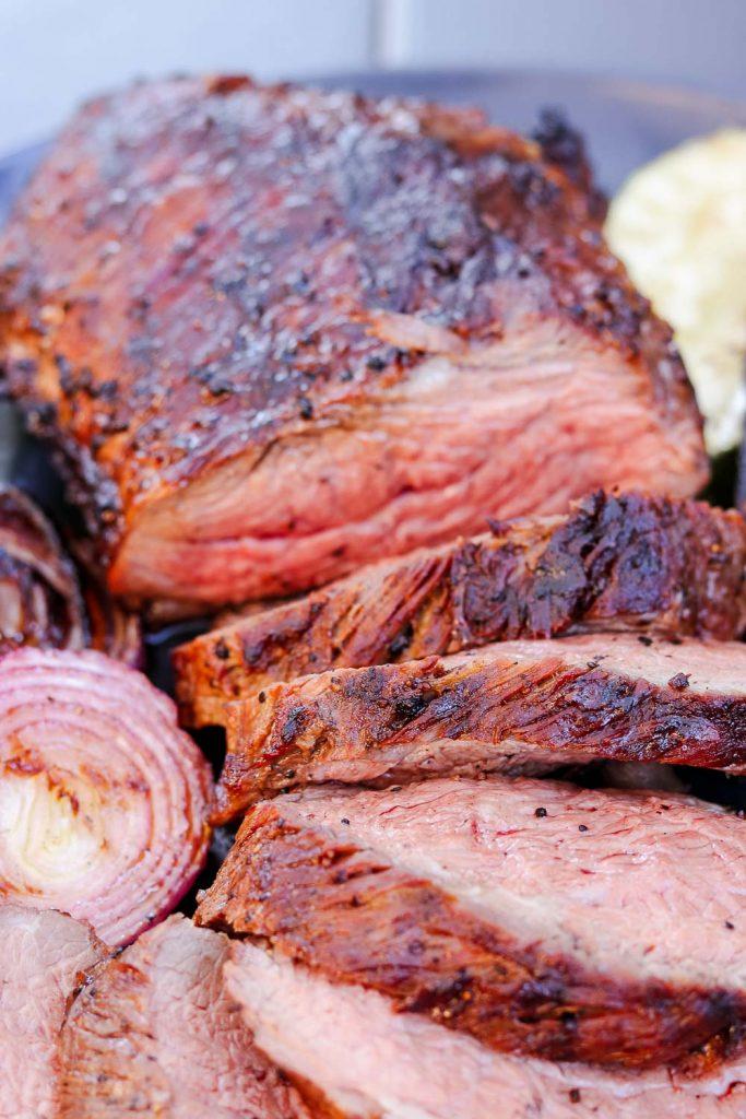 grilled tri tip sliced with grilled vegetables